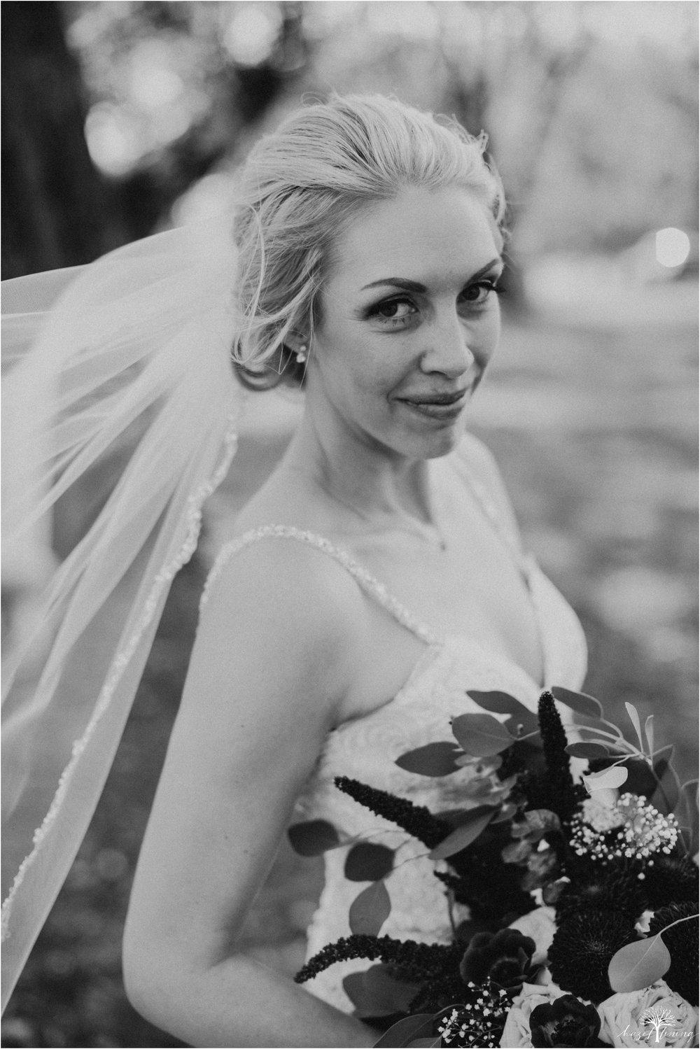 briana-krans-greg-johnston-farm-bakery-and-events-fall-wedding_0039.jpg