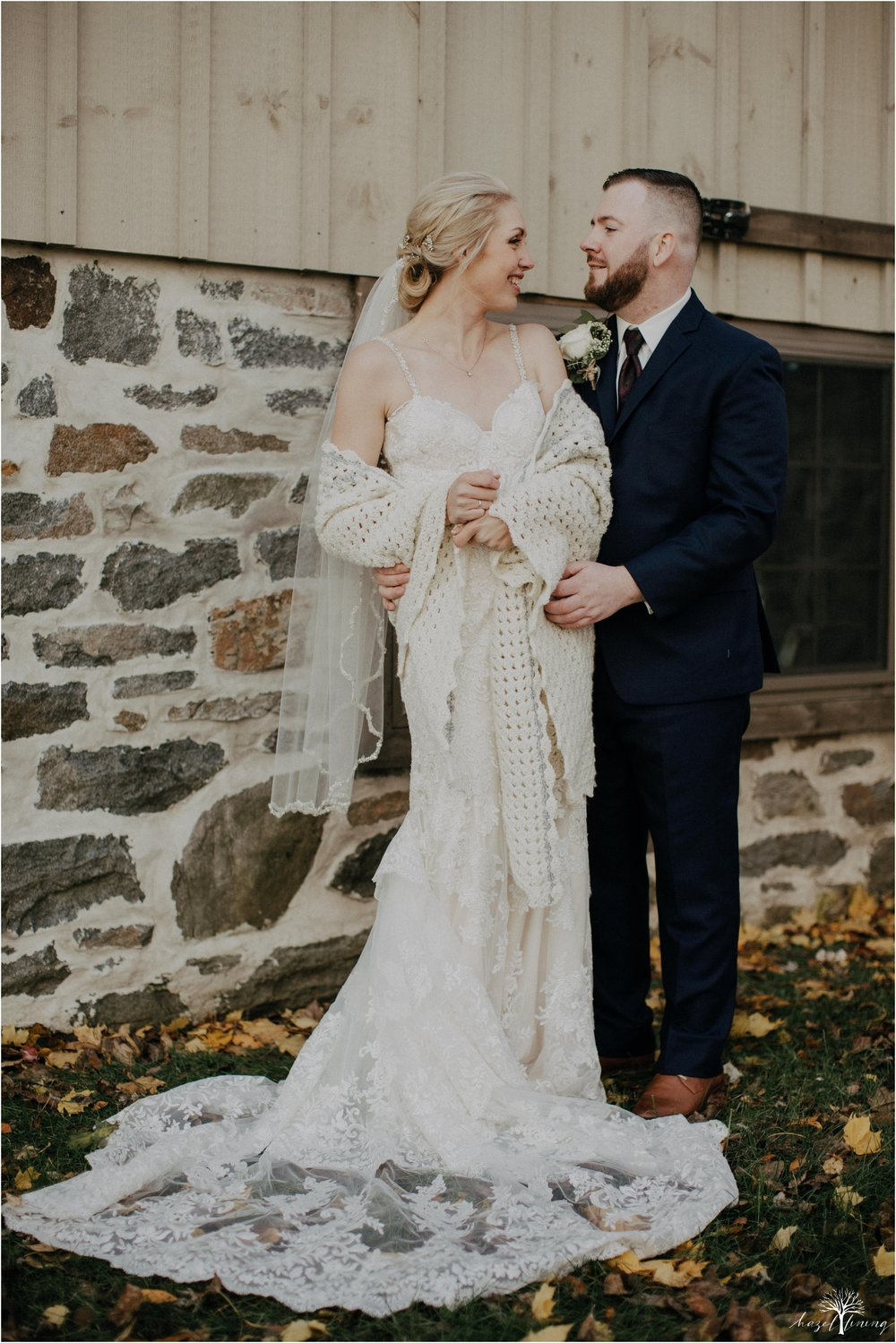 briana-krans-greg-johnston-farm-bakery-and-events-fall-wedding_0075.jpg