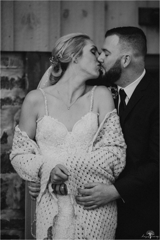 briana-krans-greg-johnston-farm-bakery-and-events-fall-wedding_0078.jpg