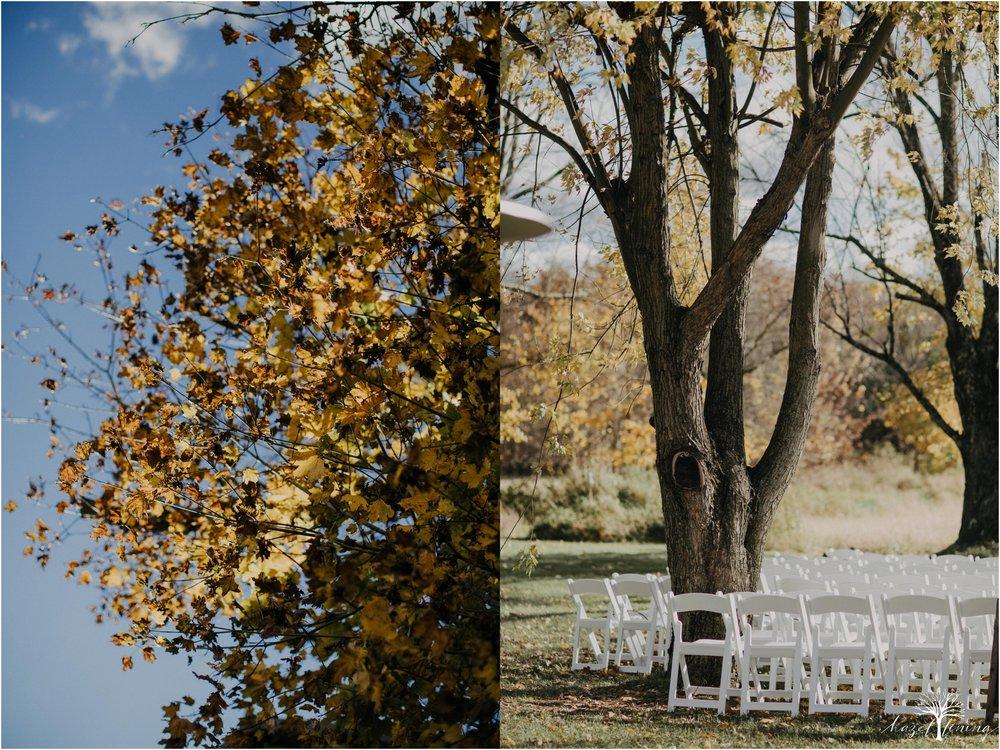 briana-krans-greg-johnston-farm-bakery-and-events-fall-wedding_0085.jpg