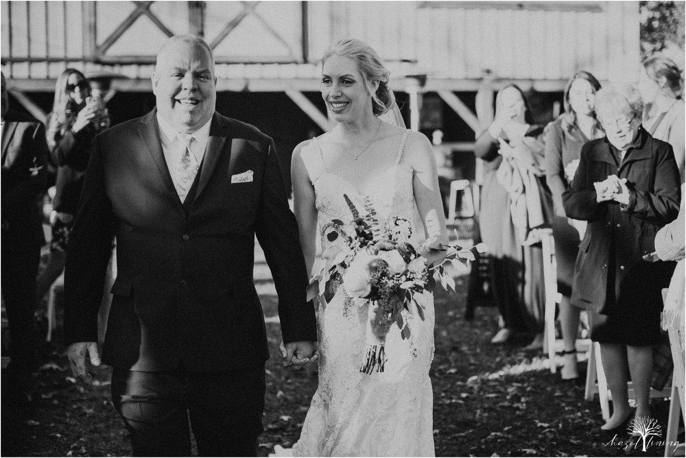 briana-krans-greg-johnston-farm-bakery-and-events-fall-wedding_0089.jpg