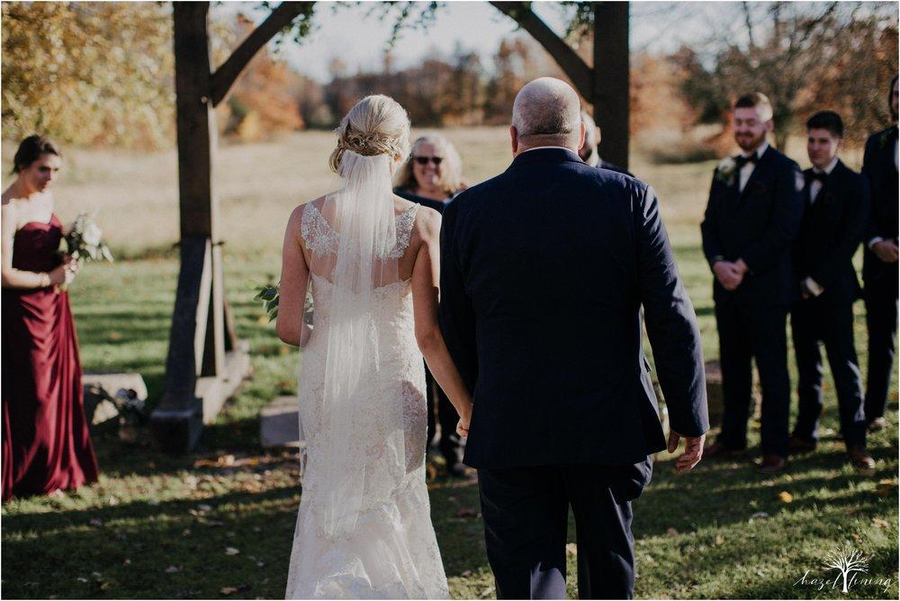briana-krans-greg-johnston-farm-bakery-and-events-fall-wedding_0091.jpg
