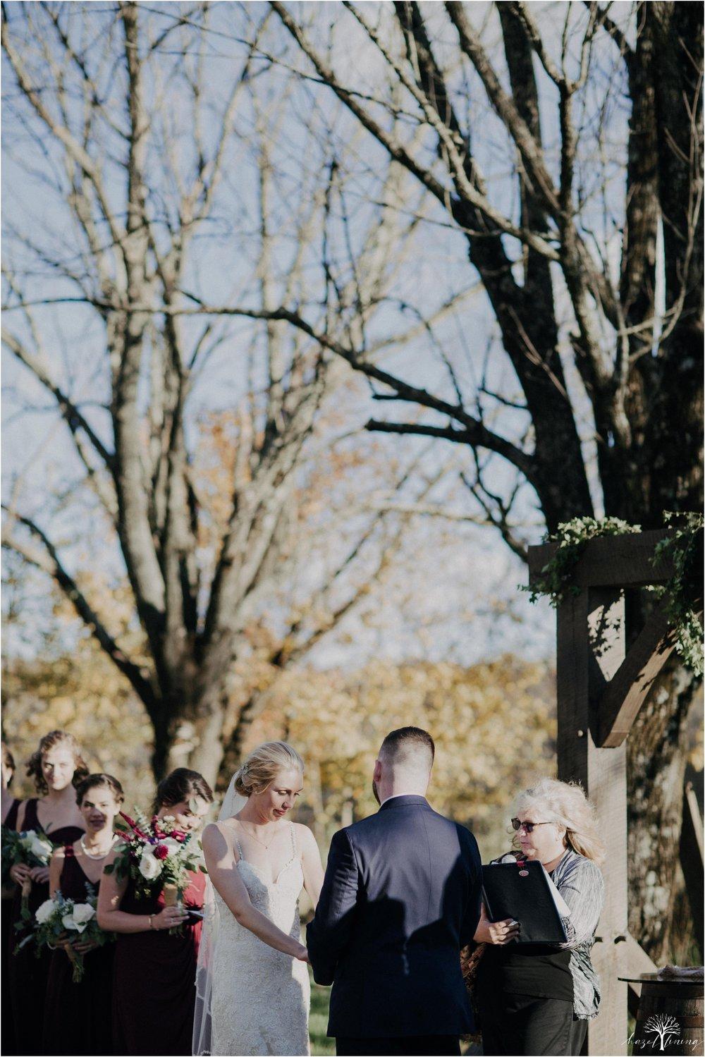briana-krans-greg-johnston-farm-bakery-and-events-fall-wedding_0096.jpg
