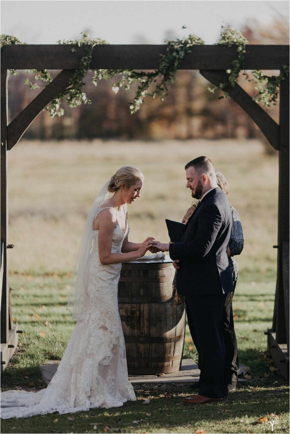 briana-krans-greg-johnston-farm-bakery-and-events-fall-wedding_0101.jpg