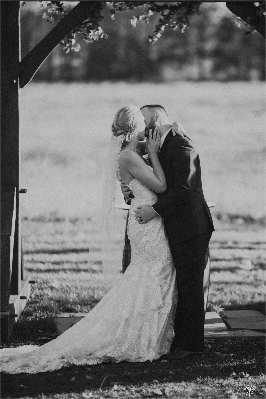 briana-krans-greg-johnston-farm-bakery-and-events-fall-wedding_0104.jpg
