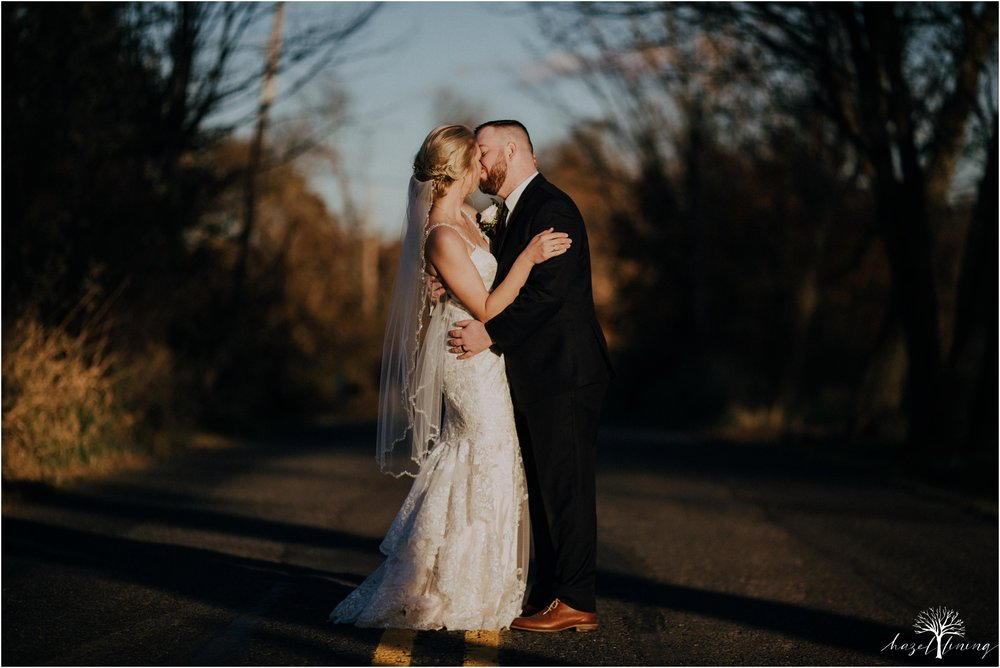 briana-krans-greg-johnston-farm-bakery-and-events-fall-wedding_0111.jpg