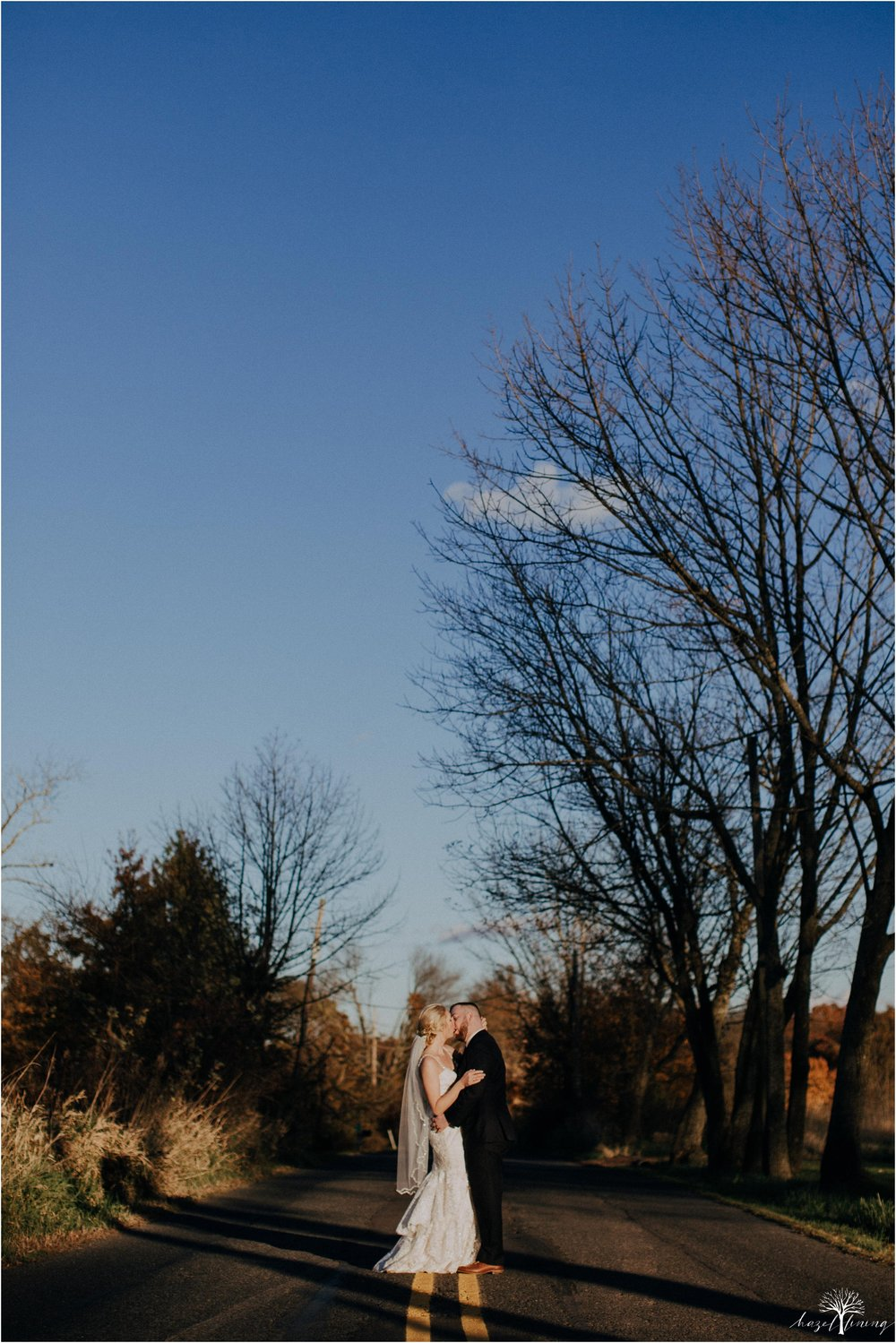 briana-krans-greg-johnston-farm-bakery-and-events-fall-wedding_0110.jpg