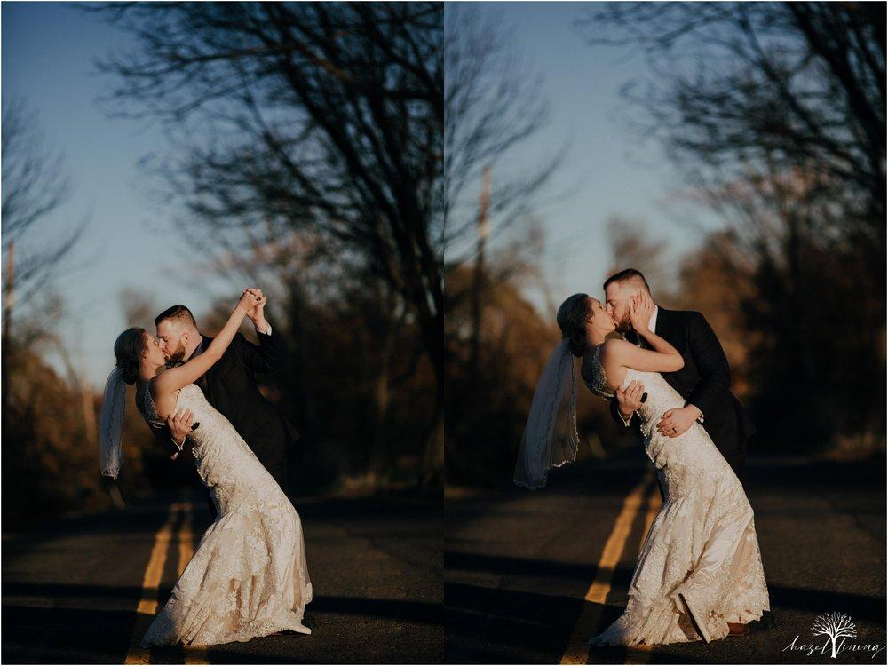 briana-krans-greg-johnston-farm-bakery-and-events-fall-wedding_0112.jpg