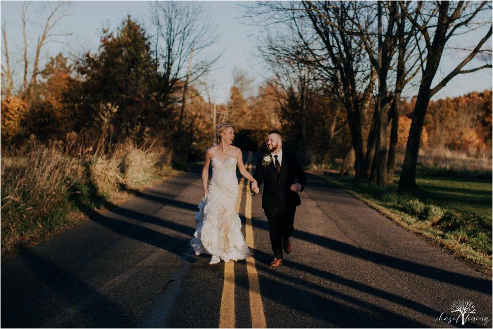 briana-krans-greg-johnston-farm-bakery-and-events-fall-wedding_0114.jpg