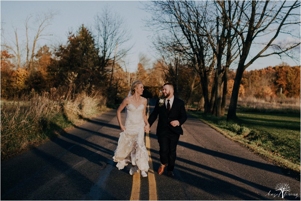 briana-krans-greg-johnston-farm-bakery-and-events-fall-wedding_0115.jpg
