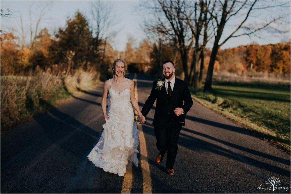 briana-krans-greg-johnston-farm-bakery-and-events-fall-wedding_0116.jpg