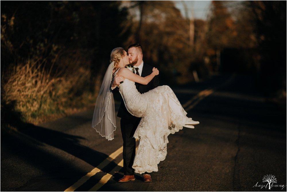 briana-krans-greg-johnston-farm-bakery-and-events-fall-wedding_0117.jpg