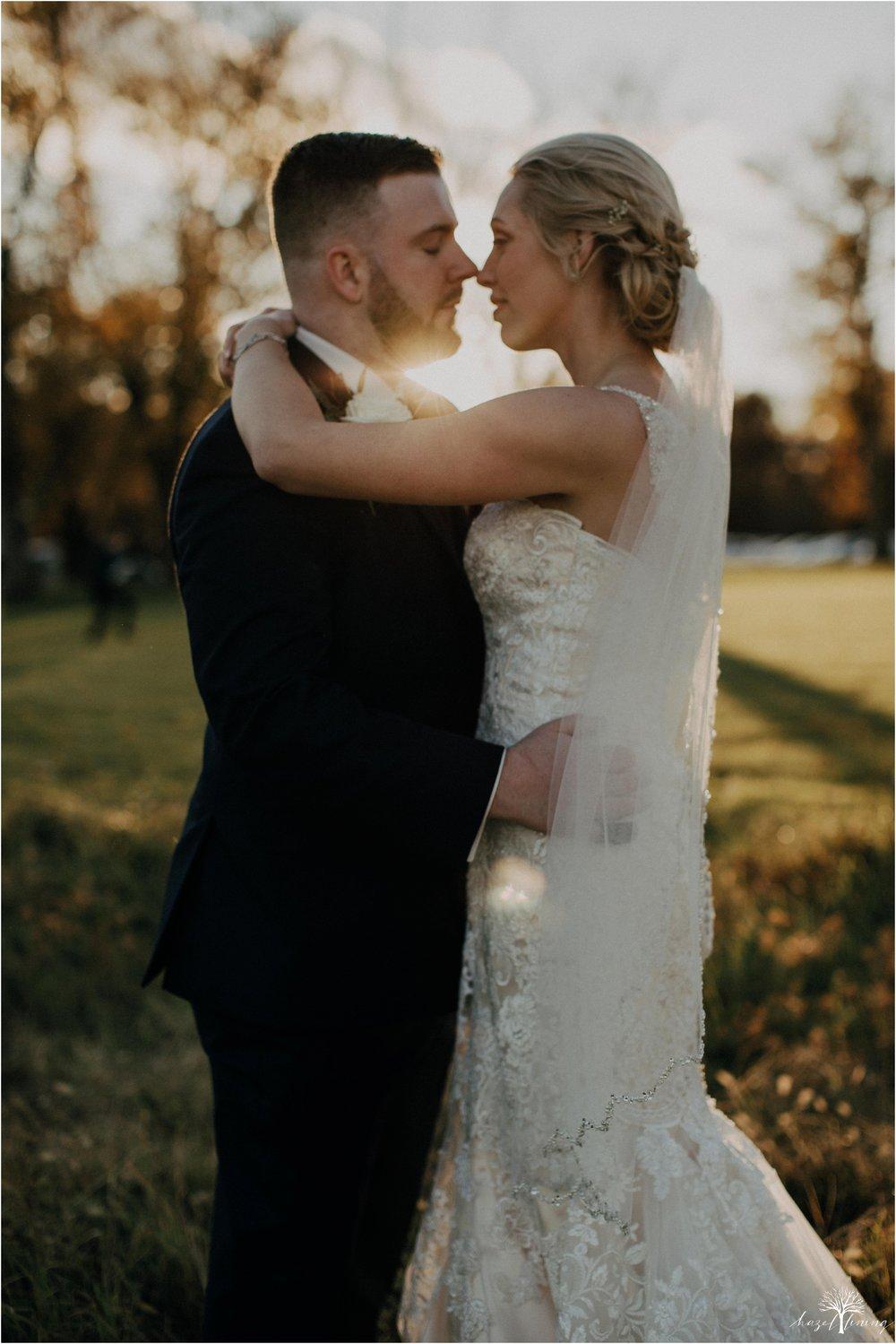 briana-krans-greg-johnston-farm-bakery-and-events-fall-wedding_0118.jpg
