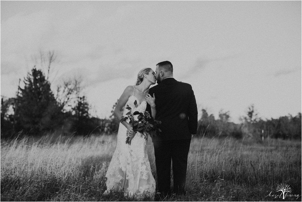 briana-krans-greg-johnston-farm-bakery-and-events-fall-wedding_0133.jpg