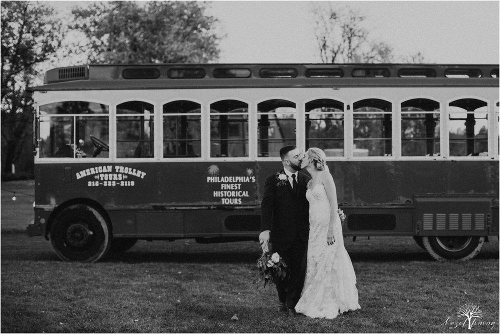 briana-krans-greg-johnston-farm-bakery-and-events-fall-wedding_0135.jpg
