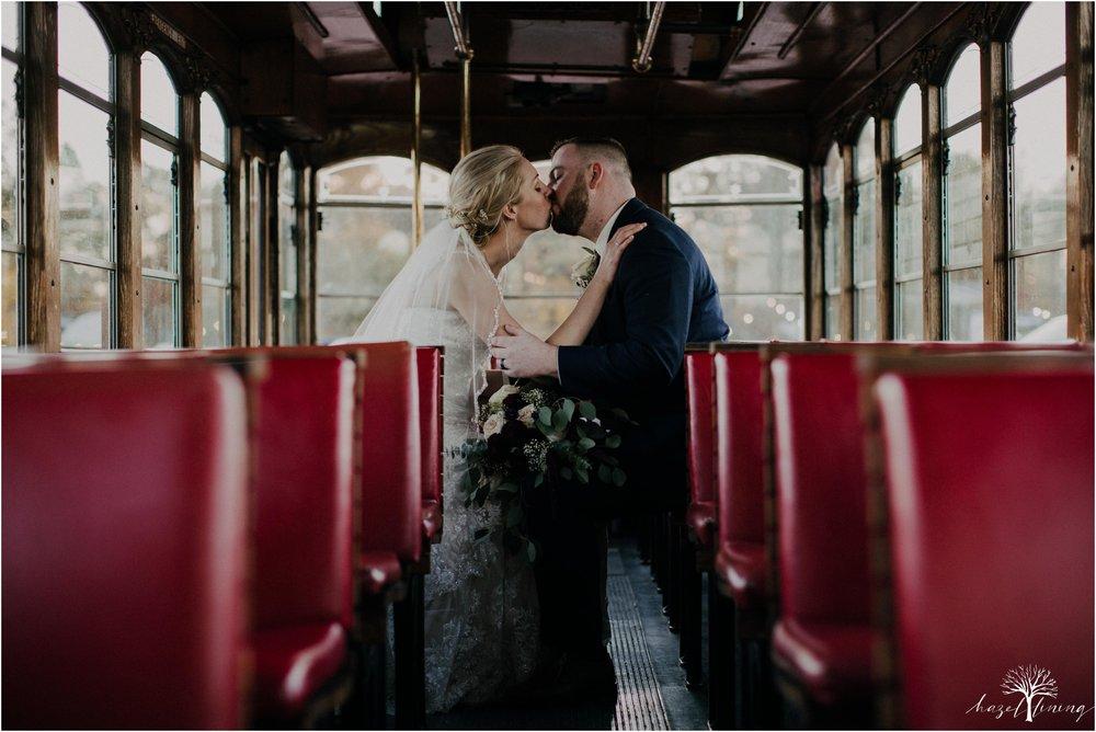 briana-krans-greg-johnston-farm-bakery-and-events-fall-wedding_0138.jpg