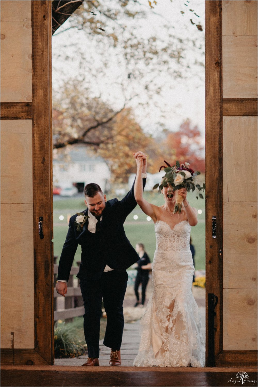 briana-krans-greg-johnston-farm-bakery-and-events-fall-wedding_0142.jpg