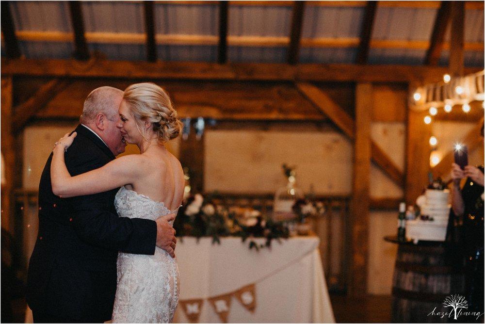 briana-krans-greg-johnston-farm-bakery-and-events-fall-wedding_0159.jpg