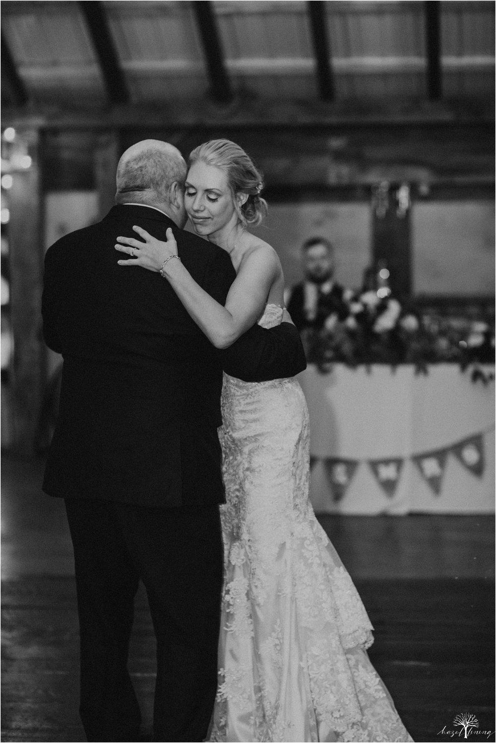 briana-krans-greg-johnston-farm-bakery-and-events-fall-wedding_0160.jpg