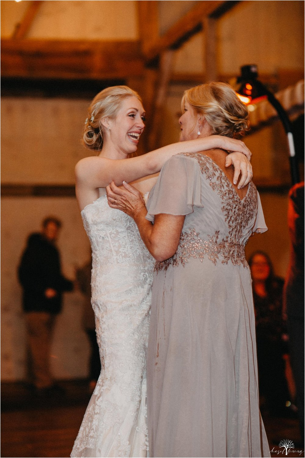 briana-krans-greg-johnston-farm-bakery-and-events-fall-wedding_0163.jpg