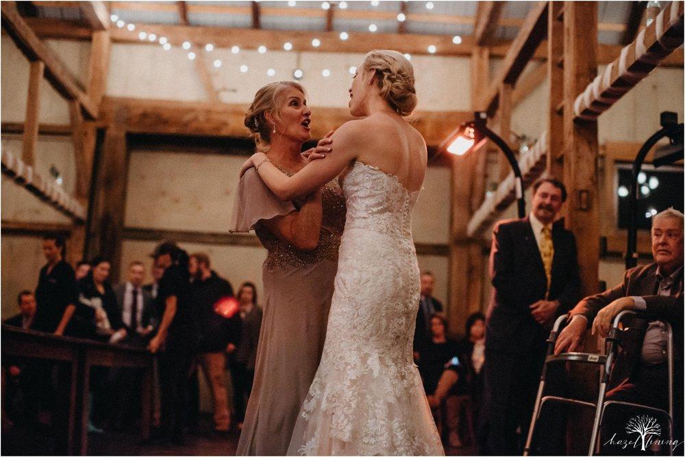 briana-krans-greg-johnston-farm-bakery-and-events-fall-wedding_0164.jpg