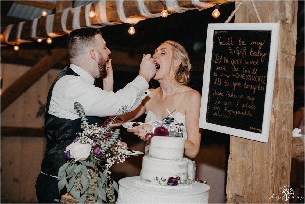 briana-krans-greg-johnston-farm-bakery-and-events-fall-wedding_0168.jpg