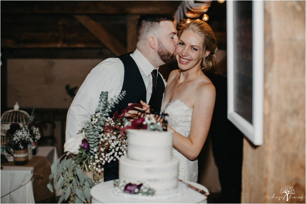 briana-krans-greg-johnston-farm-bakery-and-events-fall-wedding_0172.jpg
