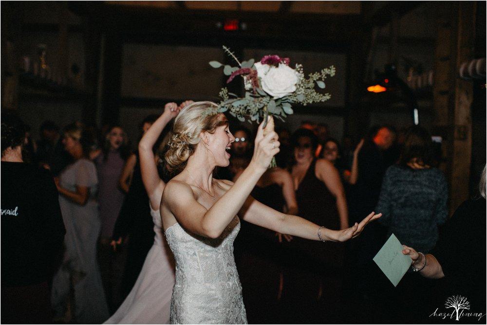 briana-krans-greg-johnston-farm-bakery-and-events-fall-wedding_0178.jpg