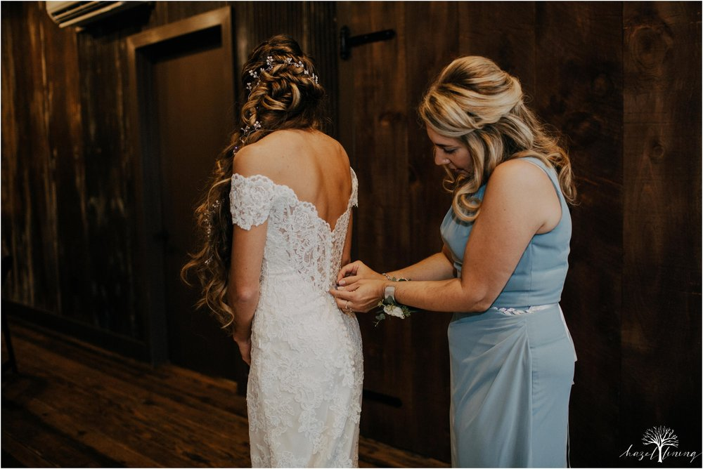 emma-matt-gehringer-the-booking-house-lancaster-manhiem-pennsylvania-winter-wedding_0012.jpg