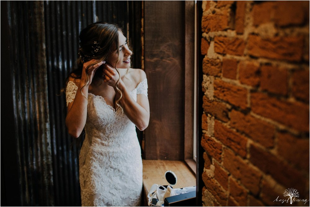 emma-matt-gehringer-the-booking-house-lancaster-manhiem-pennsylvania-winter-wedding_0016.jpg