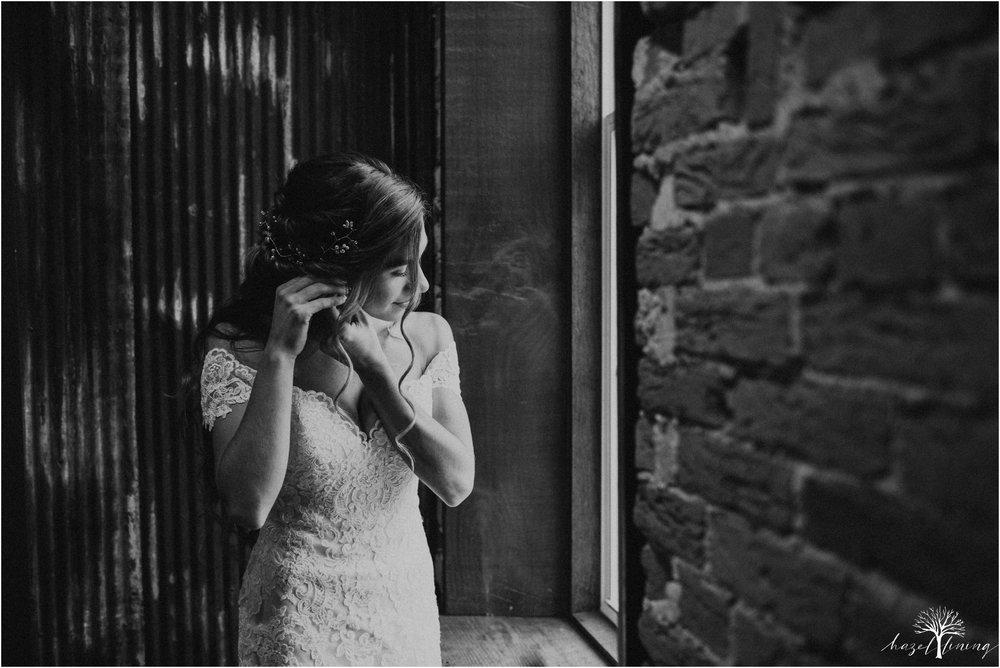emma-matt-gehringer-the-booking-house-lancaster-manhiem-pennsylvania-winter-wedding_0019.jpg