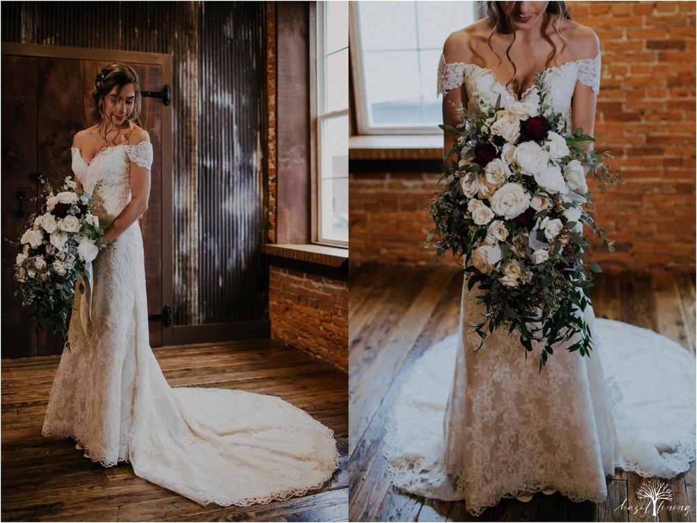 emma-matt-gehringer-the-booking-house-lancaster-manhiem-pennsylvania-winter-wedding_0023.jpg