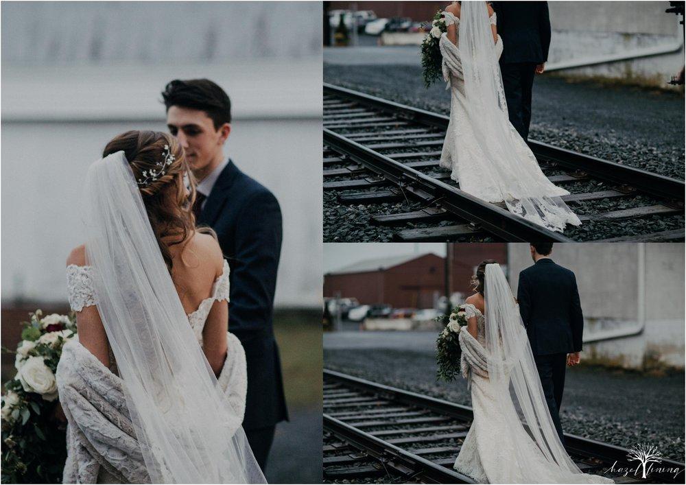 emma-matt-gehringer-the-booking-house-lancaster-manhiem-pennsylvania-winter-wedding_0099.jpg