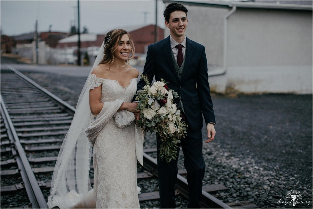 emma-matt-gehringer-the-booking-house-lancaster-manhiem-pennsylvania-winter-wedding_0106.jpg