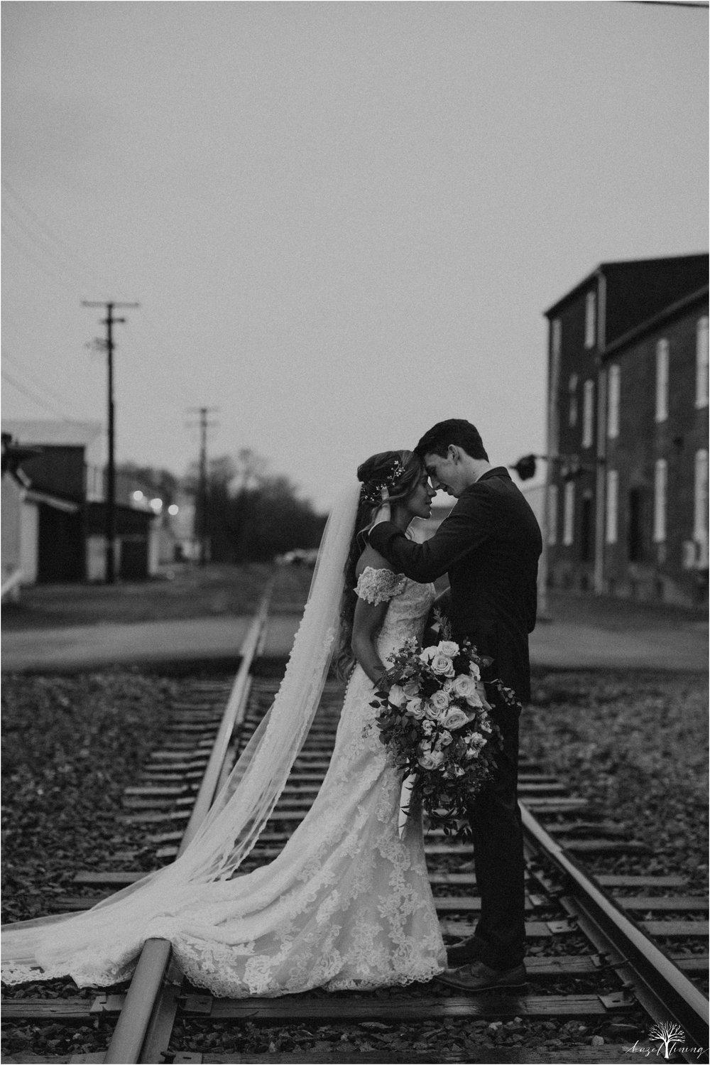 emma-matt-gehringer-the-booking-house-lancaster-manhiem-pennsylvania-winter-wedding_0109.jpg