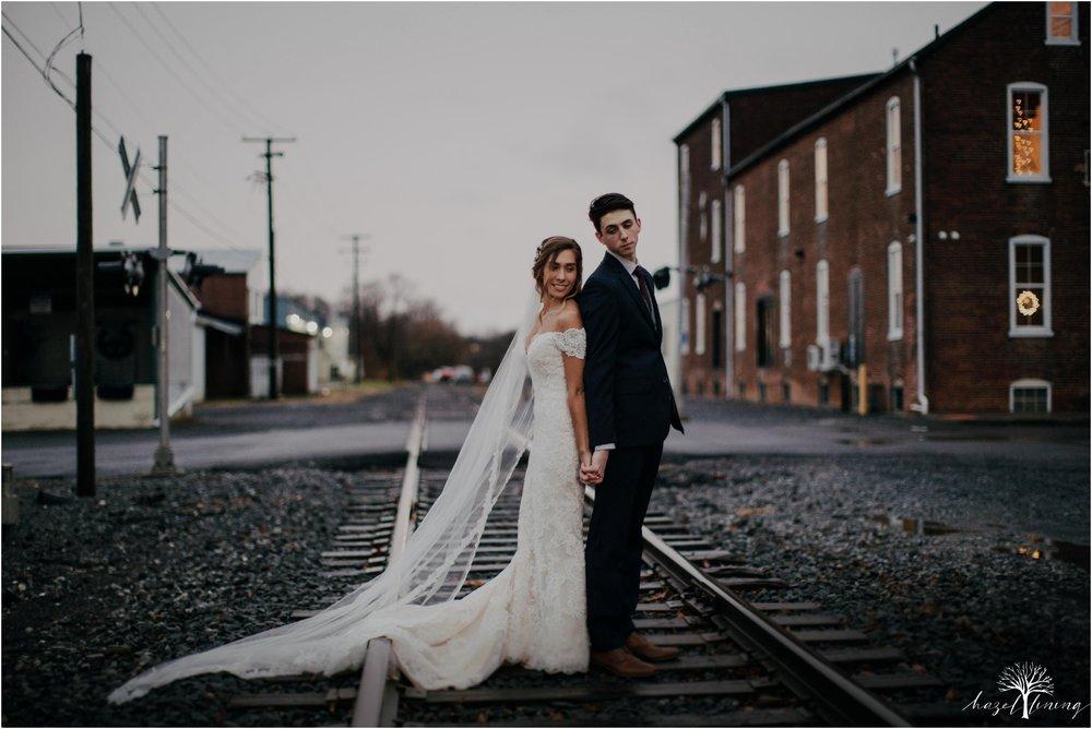 emma-matt-gehringer-the-booking-house-lancaster-manhiem-pennsylvania-winter-wedding_0112.jpg