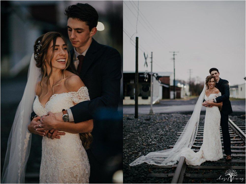 emma-matt-gehringer-the-booking-house-lancaster-manhiem-pennsylvania-winter-wedding_0117.jpg