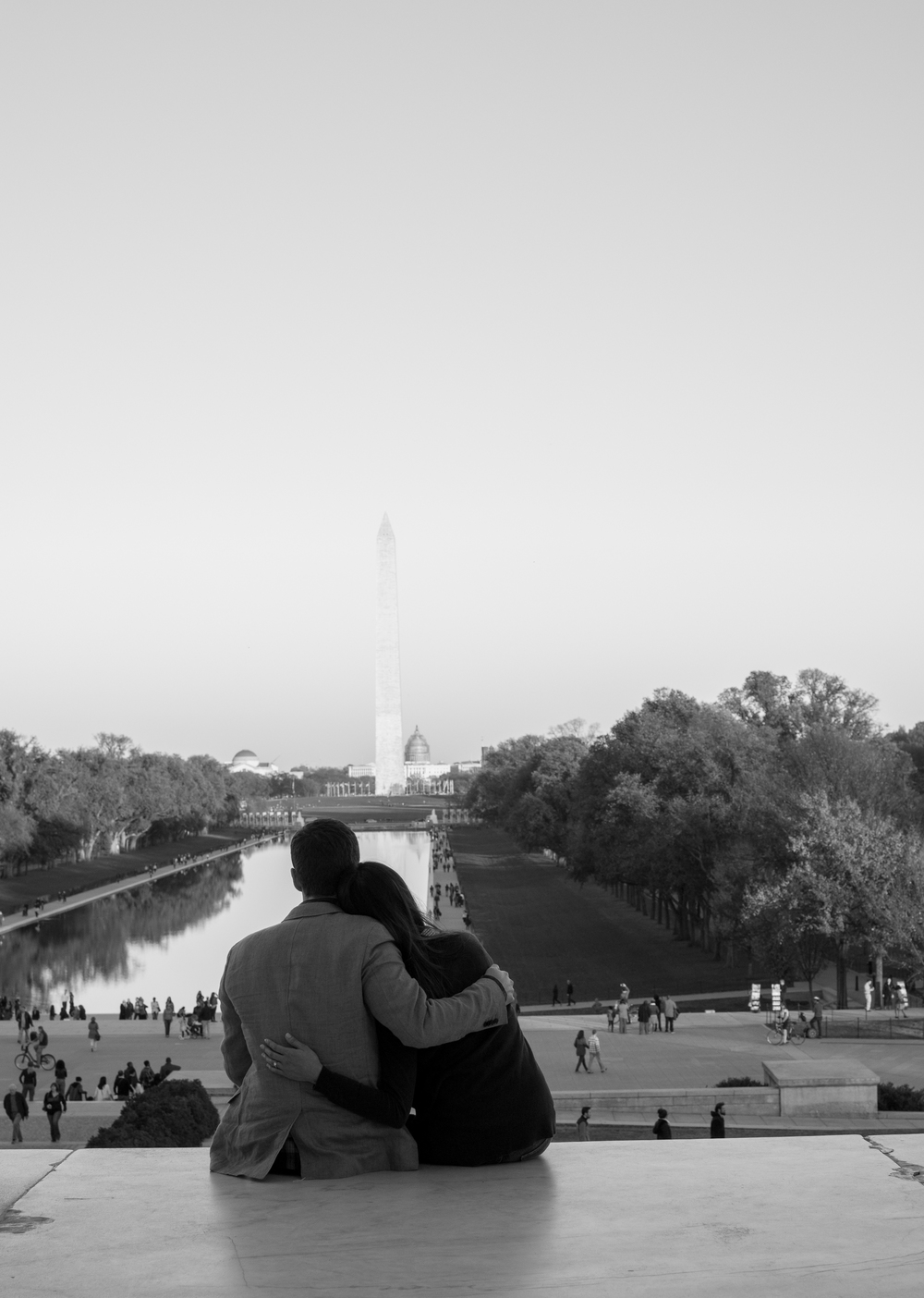 Lincoln Memorial Engagement Couple Photo