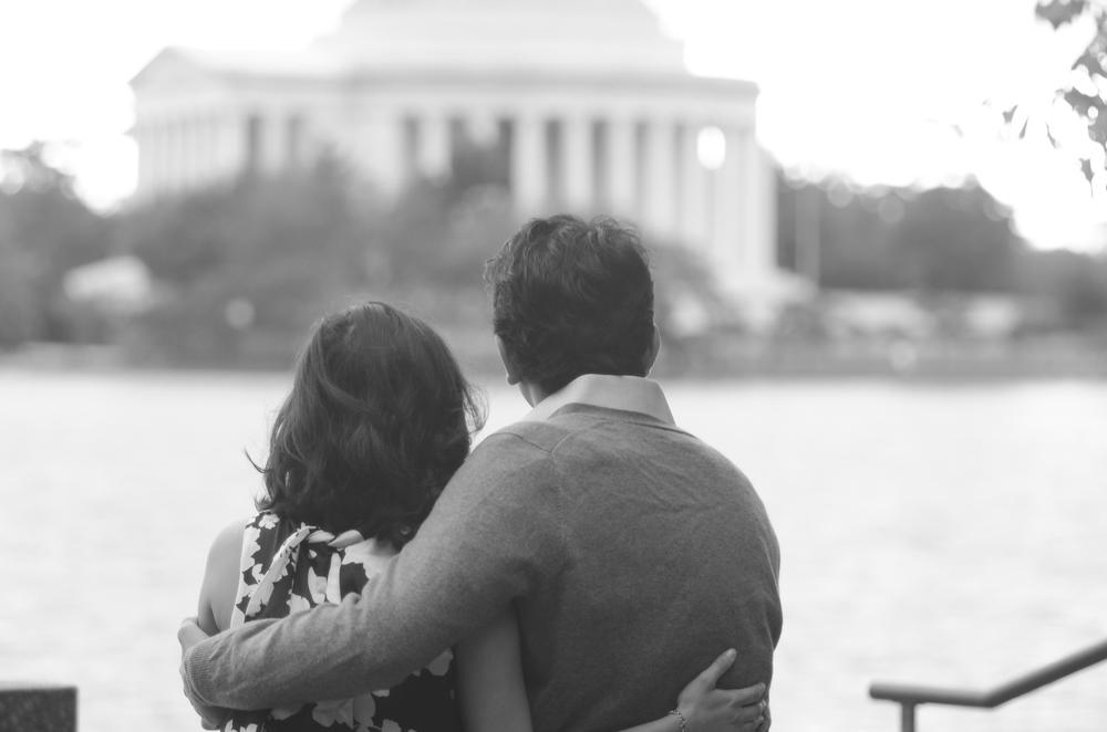 Thomas Jefferson Memorial Engagement Couple Photo