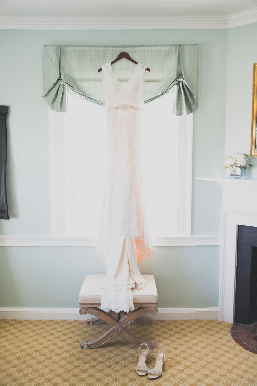 Belmont Manor & Historic Park Wedding Dress Photo