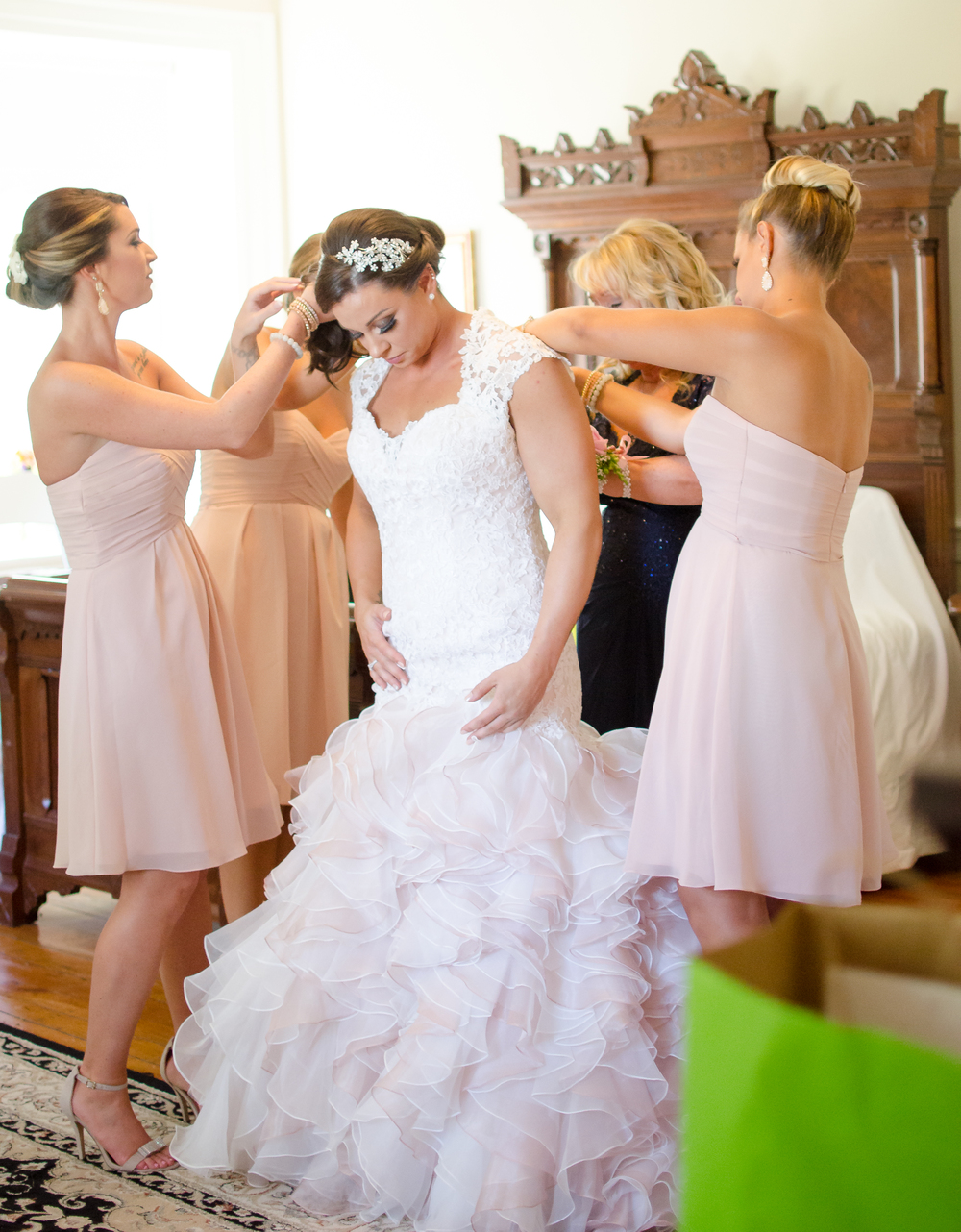 Springfield Manor Winery & Distillery Wedding Bride getting ready Photo