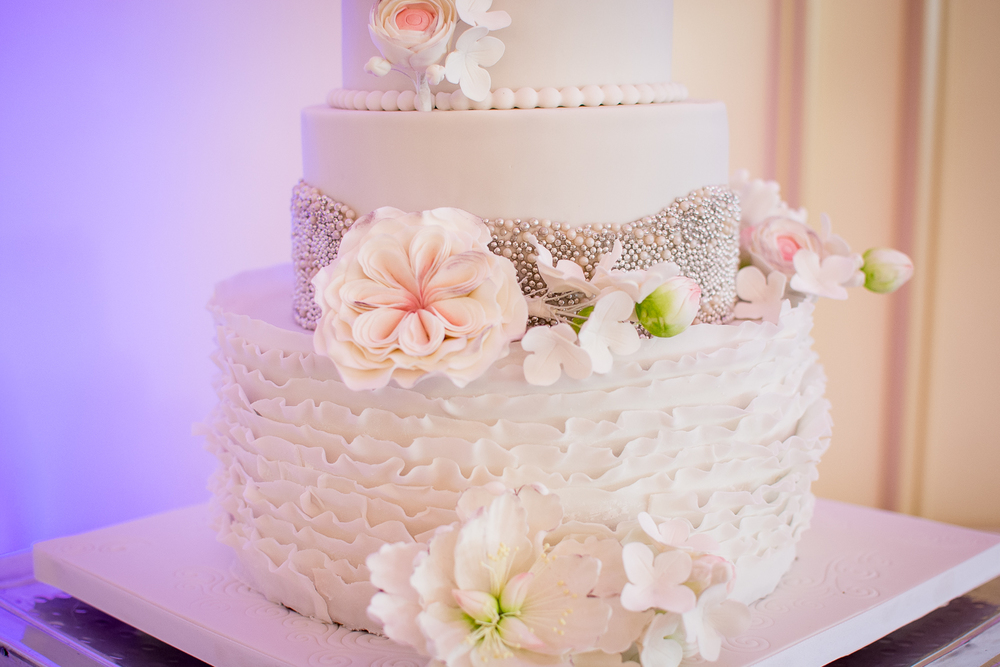 Catoctin Hall at Musket Ridge Wedding Cake Photo