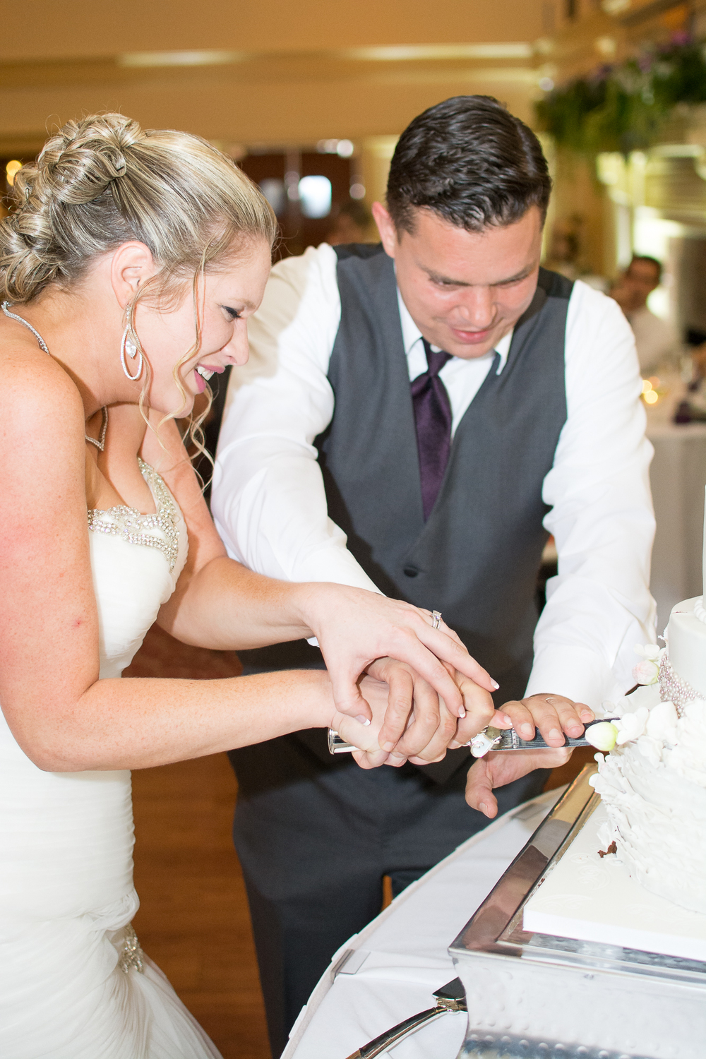 Catoctin Hall at Musket Ridge Wedding bride and groom cake cutting Photo