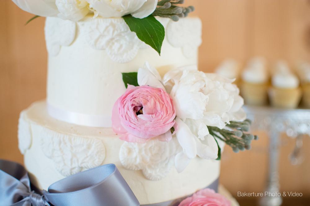 Shadow Creek Wedding cake Photo