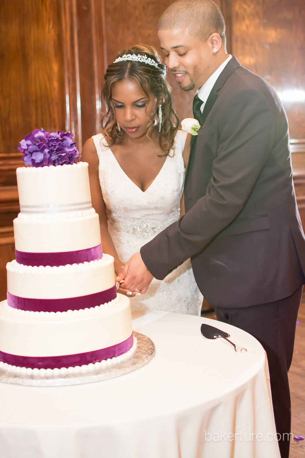 Maggiano's at Chevy Chase Wedding cake Photo