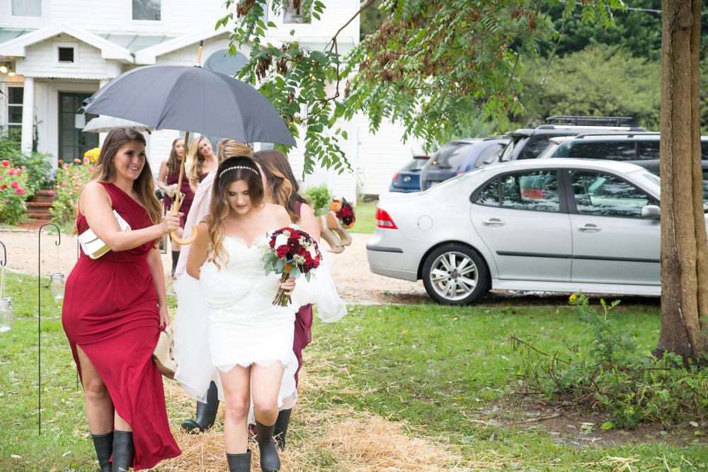 The Glasgow Farm Wedding bridesmaids and bride Photo