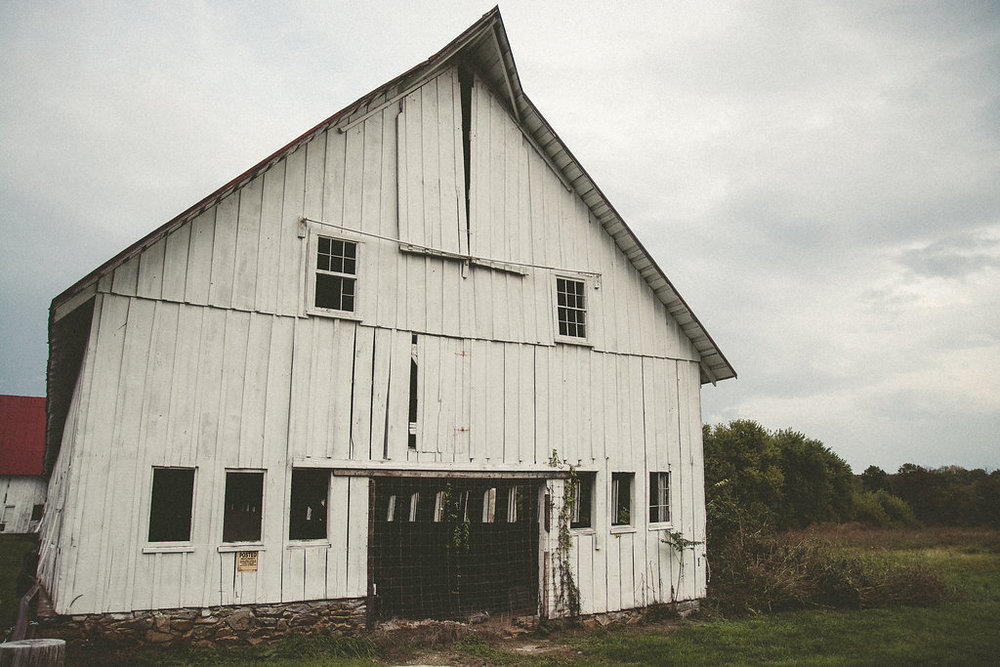 Whitehall Estate and Winery Wedding rustic farm barn Photo