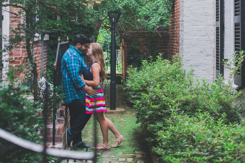 old town alexandria wilkes tunnel engagement session