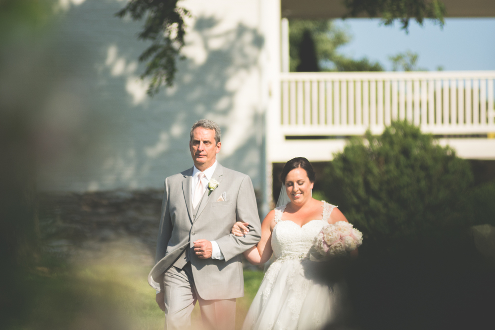 bride and dad walking to alter glen ellen farm