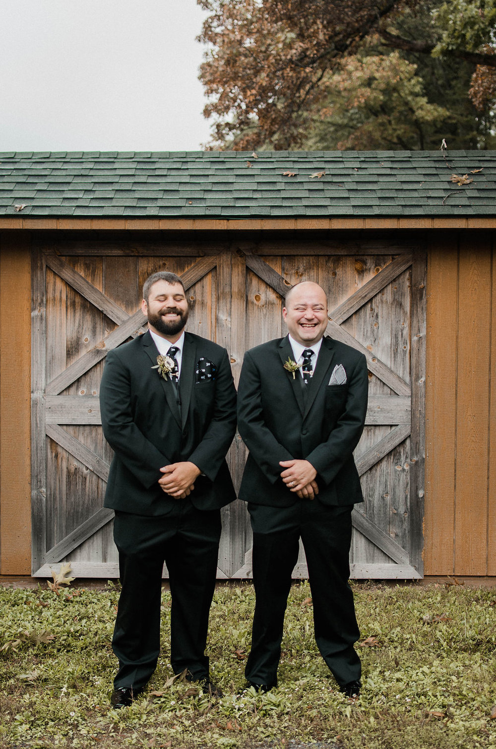 groom and best man photo